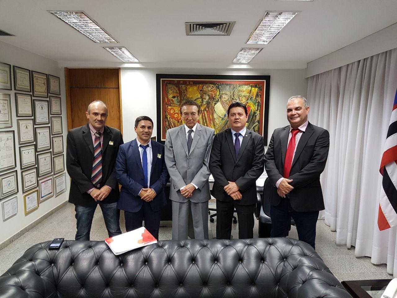 ff - Rigo Teles na companhia de prefeitos, participa de encontro com Lobão em Brasília - minuto barra